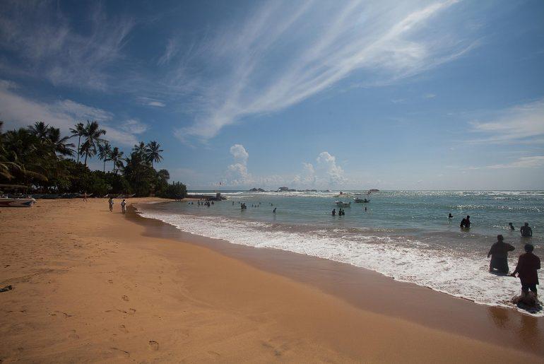 plaża na sri lance w miejscowości Hikkaduwa