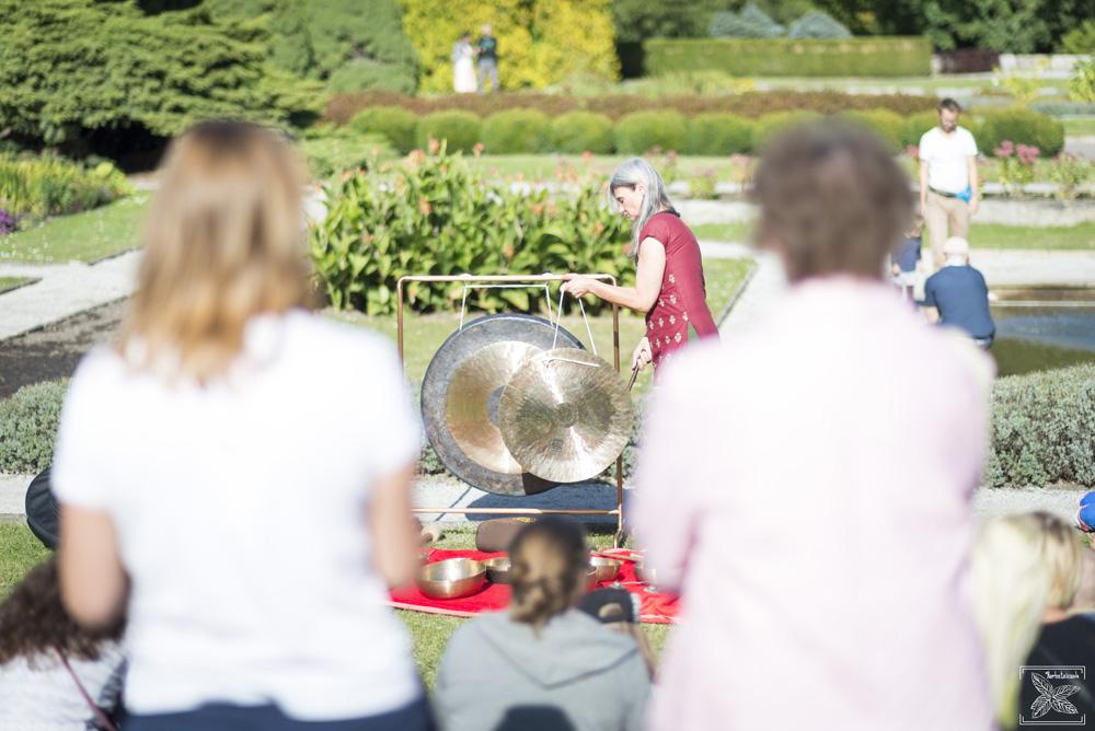 Imprezom plenerowym towarzyszył koncert gongów i mis tybetańskich