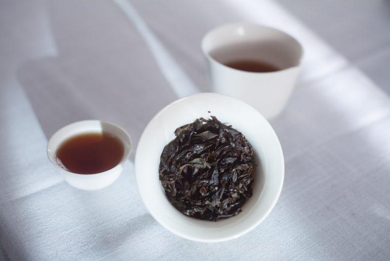 Herbata oolong Da Hong Pao w formie suszu