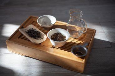Parzenie herbaty w stylu Gong Fu Cha, w gaiwanie